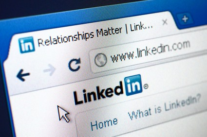 How to accelerate your job search with LinkedIn